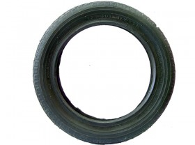 타이어(12
